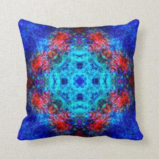 Mandala rouge et bleu vibrant coussins carrés