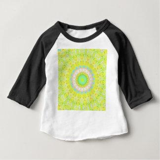 Mandala vibrant en pastel fleurissant vibrant t-shirt pour bébé