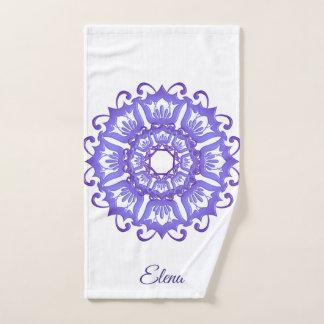 Mandala violet floral. Nom