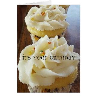 Mangez la carte d'anniversaire de gâteau