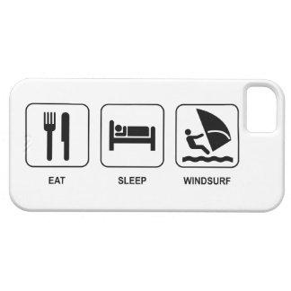 Mangez le sommeil font de la planche à voile