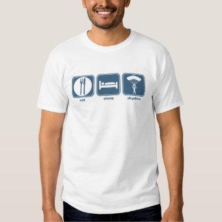 mangez le sommeil skydive t-shirts