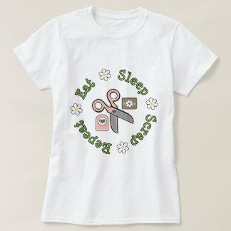 Mangez le T-shirt de répétition de chute de