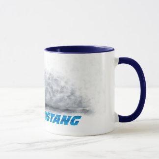 Mangez ma tasse de mustang de la poussière