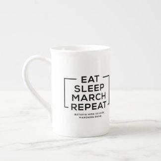 Mangez - sommeil - mars - répétez la tasse