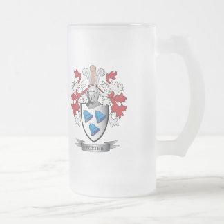 Manteau de crête de famille de portier des bras frosted glass beer mug