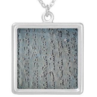 Manuscrit cunéiforme collier