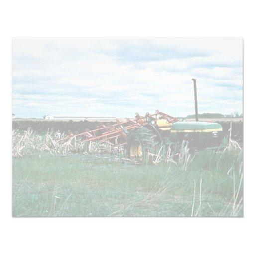 Marais de tracteur labourant des marécages invitations personnalisables