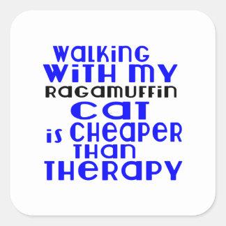 Marche avec mes conceptions de chat de va-nu-pieds sticker carré