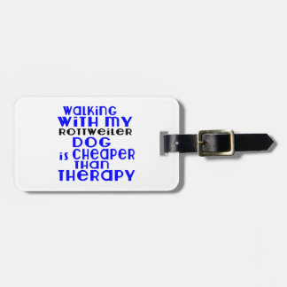 Marche avec mes conceptions de chien de rottweiler étiquette pour bagages