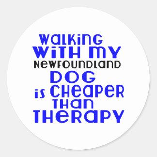 Marche avec mes conceptions de chien de sticker rond