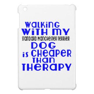 Marche avec mon chien standard De de Manchester Coque iPad Mini