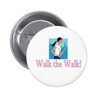 Marchent le bouton de promenade badge