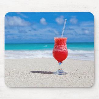 Margarita rouge de fraise d'été tropical de plage tapis de souris