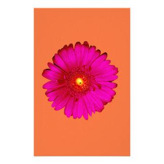 Marguerite de Gerbera de roses indien sur l'orange Papier À Lettre Customisé