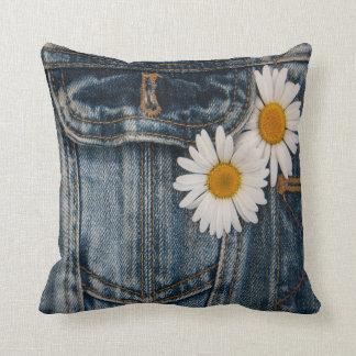 Marguerite et jeans oreillers
