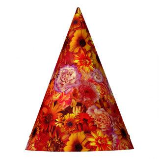 Marguerites d'un rouge ardent riches de bouquet chapeaux de fètes