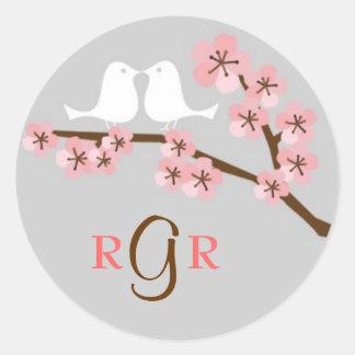Mariage de jardin de fleurs de cerisier sticker rond