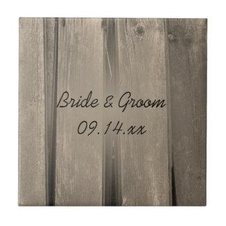 Mariage en bois de grange rustique de pays petit carreau carré