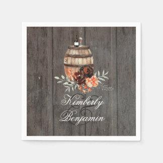 Mariage en bois floral rustique de baril de vin serviette jetable