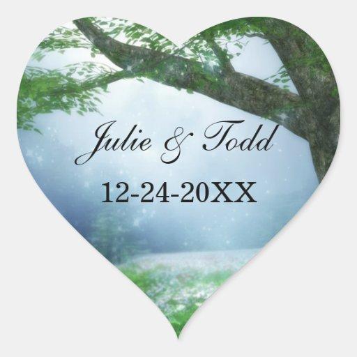 Mariage enchanté de forêt de région boisée autocollant en cœur