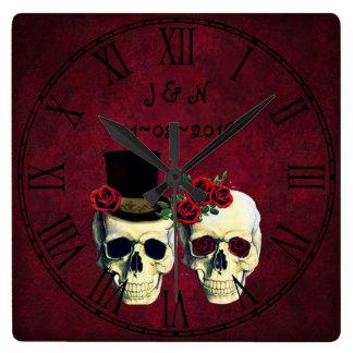 Mariage fait sur commande par crânes de ménages horloge carrée
