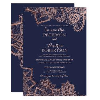 Mariage floral de bleu marine de dentelle d'or carton d'invitation  12,7 cm x 17,78 cm
