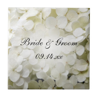 Mariage floral d'hortensia blanc carreau