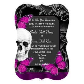 Mariage gothique pourpre alternatif de crâne de carton d'invitation  12,7 cm x 17,78 cm