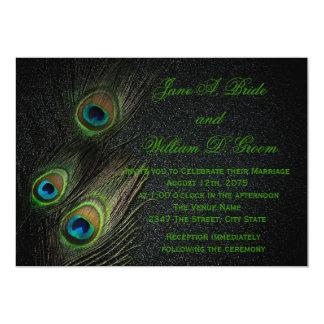 Mariage noir et vert élégant de paon carton d'invitation  12,7 cm x 17,78 cm