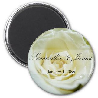Mariage personnel de rose blanc aimant