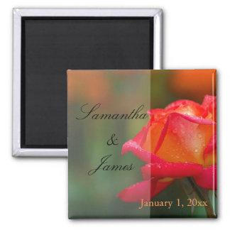 Mariage personnel de rose rouge et jaune aimant