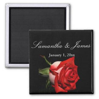 Mariage personnel givré de rose rouge aimant