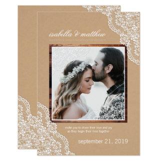 Mariage rustique de photo de dentelle et en bois carton d'invitation  12,7 cm x 17,78 cm