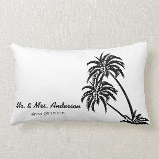 Mariage tropical d'amour de palmiers personnalisé coussins carrés