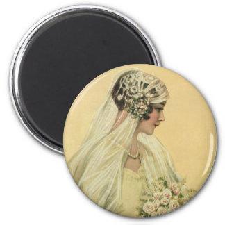 Mariage vintage, portrait nuptiale de jeune mariée magnet rond 8 cm