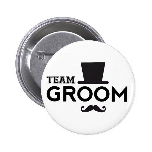 Marié d'équipe avec le chapeau et la moustache badges avec agrafe