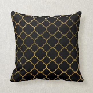 Marocain noir moderne de motif de Quatrefoil de Coussin
