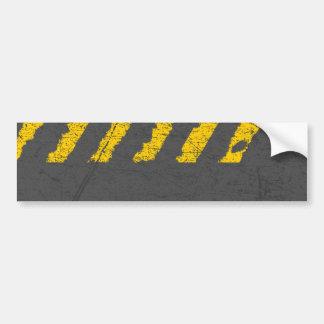 Marquage routier jaune affligé par grunge autocollant de voiture