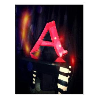 """Marquez avec des lettres la carte postale de """"A"""""""