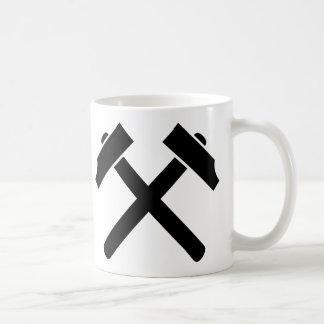 Marteau noir croisé mug