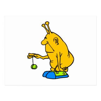 Martien avec un yo-yo carte postale