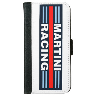 Martini emballant la caisse de portefeuille