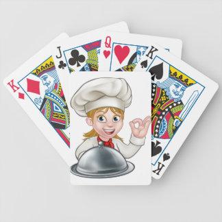 Mascotte de personnage de dessin animé de femme de jeu de cartes