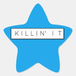 Massacre noir il marque avec des lettres la copie sticker étoile