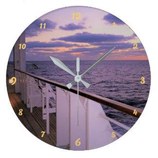 Matin à bord grande horloge ronde