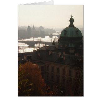 Matin dans le carte pour notes de Prague (avec des