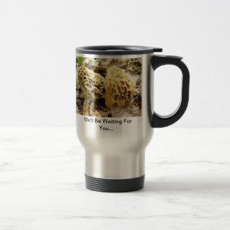 Matin de champignon de morelle mug de voyage