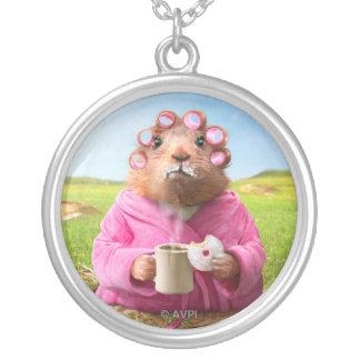 Matin Groundhog avec le beignet et le café de Pendentif Rond