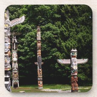 Mâts totémiques de Natif américain, Vancouver, bri Dessous-de-verre